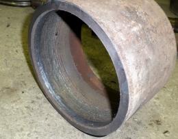 Наплавка внутренней цилиндрической поверхности выполненная на установке АС354